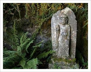 gravestonebuddha